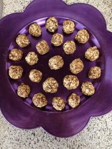 Raw 3 Ingredient Protein Balls