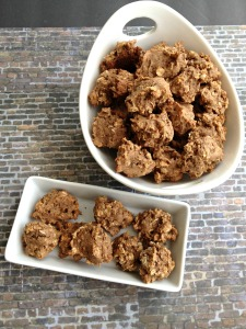 Vegan, Gluten- and Sugar-Free Pecan Butter Oatmeal Cookies