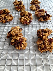 Vegan and Gluten-Free Chinese 5 Spice Cherry Oatmeal Cookies