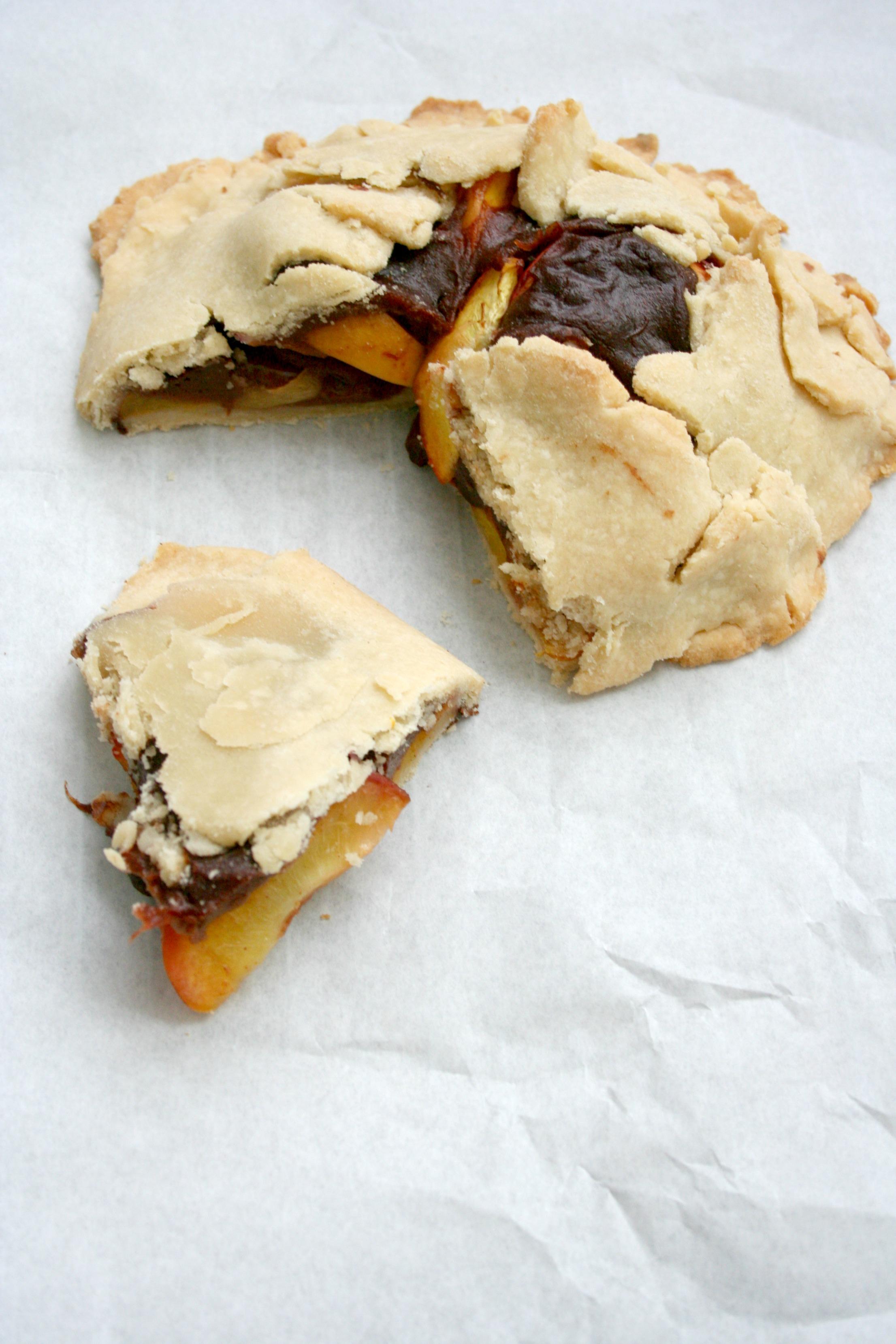 Vegan & Gluten-Free Peaches and Cream Galette | Fitting Into Vegan