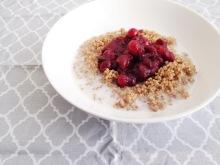 Vegan, gluten-free and sugar-free Sweet and Tart Cranberry Quinoa Bowl - Breakfast perfection!
