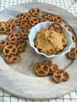 Perfect for #Fall Snacking - Vegan and Gluten-free Savory Pumpkin Hummus