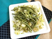 The Perfect Healthy Side-Dish - Roasted Herby Green Beans and Brussels Sprouts